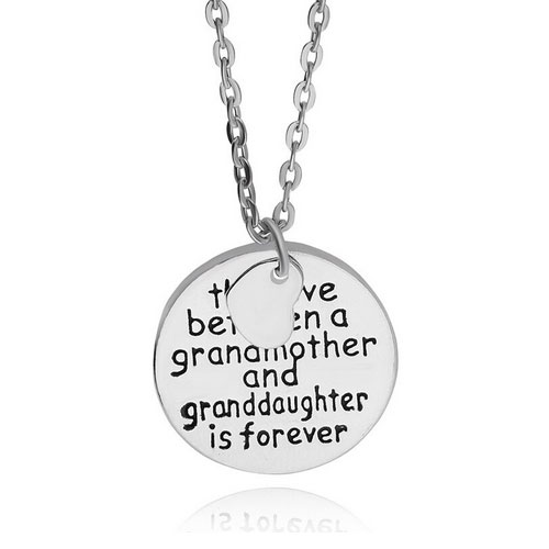 The Love Between a Grandmother and Granddaughter is Forever halsnband